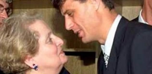 Obviňte Madeleine Albrightovou, zaznělo v rozhlase. Třeskutě. V souvislosti s Usámou bin Ládinem