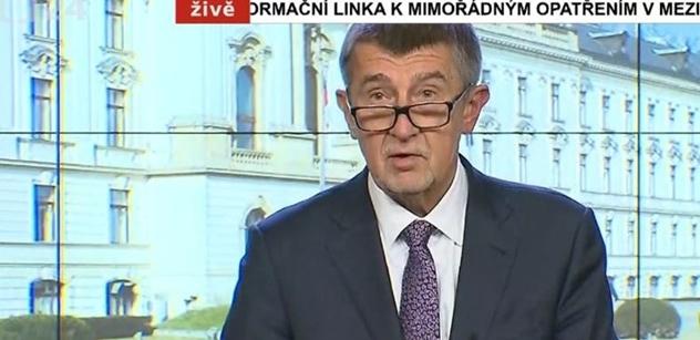 """A už se ,,držkuje"""": Vláda uzavřela Česko a novináři se rozjeli. Toto všechno jsme se dozvěděli"""
