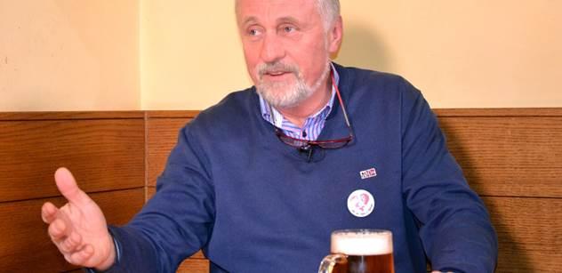 """Mirek Topolánek stvořil netradiční adventní přání o """"blicím smajlíku"""""""