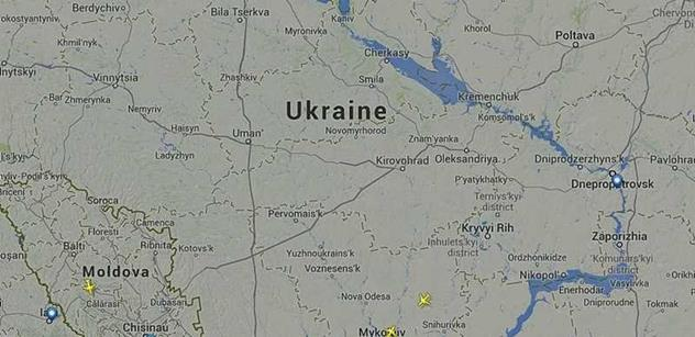 Nad Ukrajinou se zřítil malajsijský dopravní letoun