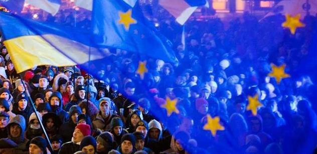 Nejdřív jsem kyjevským protestům fandil, píše poslanec Huml. Ale pak se začal zajímat a zjistil...