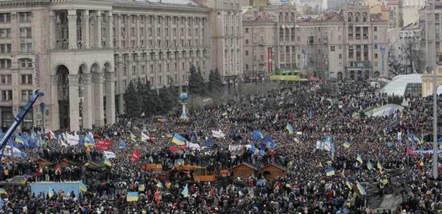 Příkaz ke střelbě v Kyjevě vydal podle prokuratury Janukovyč