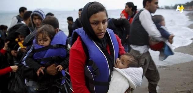 Vždyť bez imigrantů nebude na důchody, upozorňuje akademik Vašečka