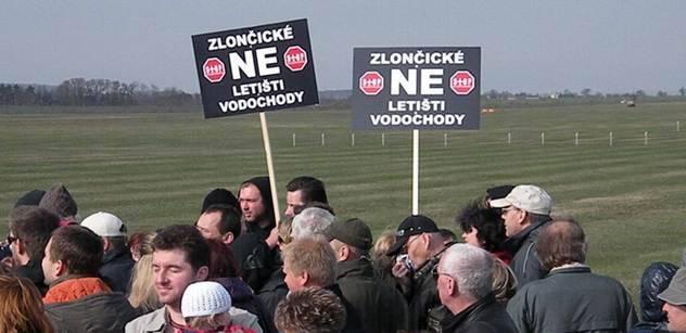 Středočeský kraj již zná členy komise, kteří by měli zabránit rozšíření letiště Vodochody