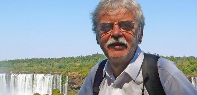 Zdeněk Svěrák, můj soused. Milion chvilek. Studenti. Profesor, týraný za medaili od Zemana, bez obalu o 17. listopadu