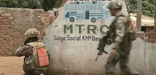 """""""Islámské hordy."""" A už natvrdo: Macronovi se bouří aktivní vojáci. Rozsáhlá akce"""