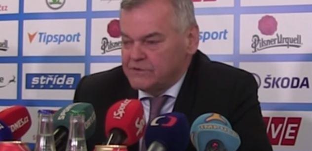 """""""Ta drzost mladých soudit nás za komunismus..."""" Trenér Vladimír Vůjtek o hokeji, politice i dnešku"""