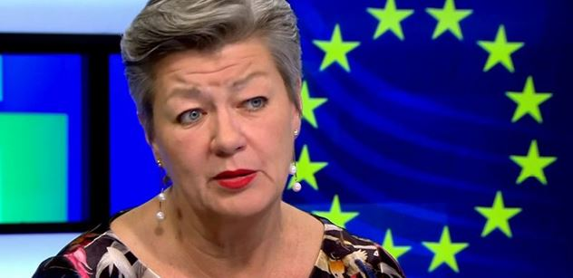 Povinné kvóty jsou třeba. Zvažte přijetí sirotků, řekla v ČT komisařka EU. A co když nechceme?