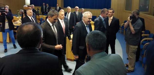 Miloš Zeman v projevu dvakrát šťouchl do katolické církve. A řekl, jak přelstít pražskou kavárnu ve věci Ruska a Číny