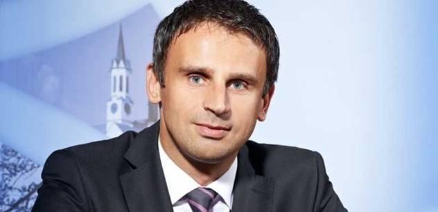 Zimola je opilý mocí, říká organizátor petice proti KSČM ve vedení kraje
